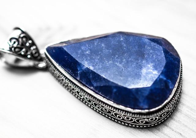 宝石買取は兵庫にある「ノースプラザ」で!ルビー、サファイア、ダイヤ、エメラルドを高価買取