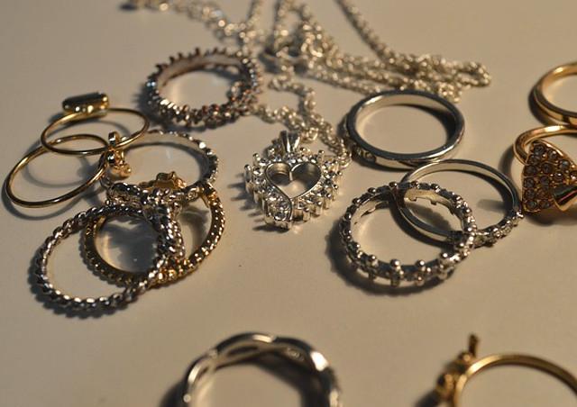 加古川で宝石買取の依頼をお考えなら~リング・ネックレスなどのジュエリーに対応~